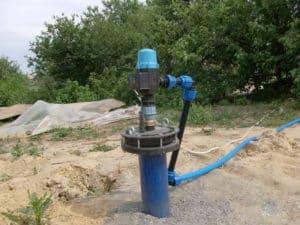 Скважина позволяет получать воду высокого качества, благодаря глубине забора жидкости