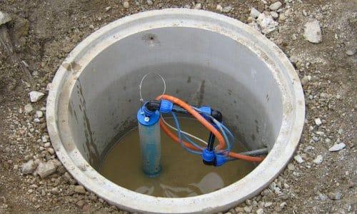 Если обустроен кессон, который заглублен недостаточно, скважина будет промерзать зимой