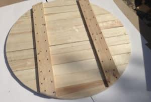 Деревянная крышка для колодца круглой формы
