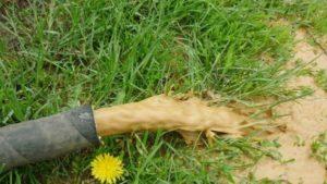 Прокачка колодца с помощью насоса